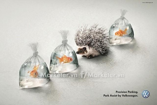 Đỗ xe chính xác là thông điệp mà Volkswagen gửi đến trong quảng cáo này về hệ thống hỗ trợ đỗ xe mới.
