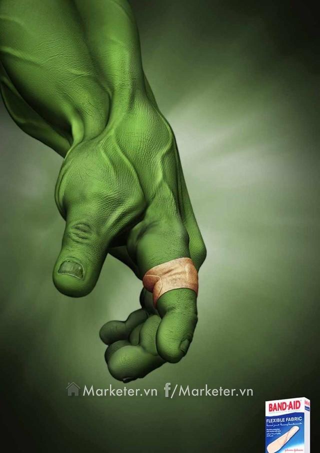 Cũng sử dụng hình ảnh siêu anh hùng, Band-Aid cho thấy ngay cả người khổng lồ xanh Hulk cũng cần đến họ.