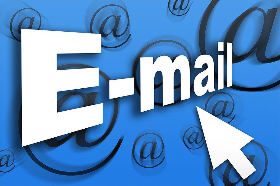 email marketing thue ngoai hay tu thuc hien